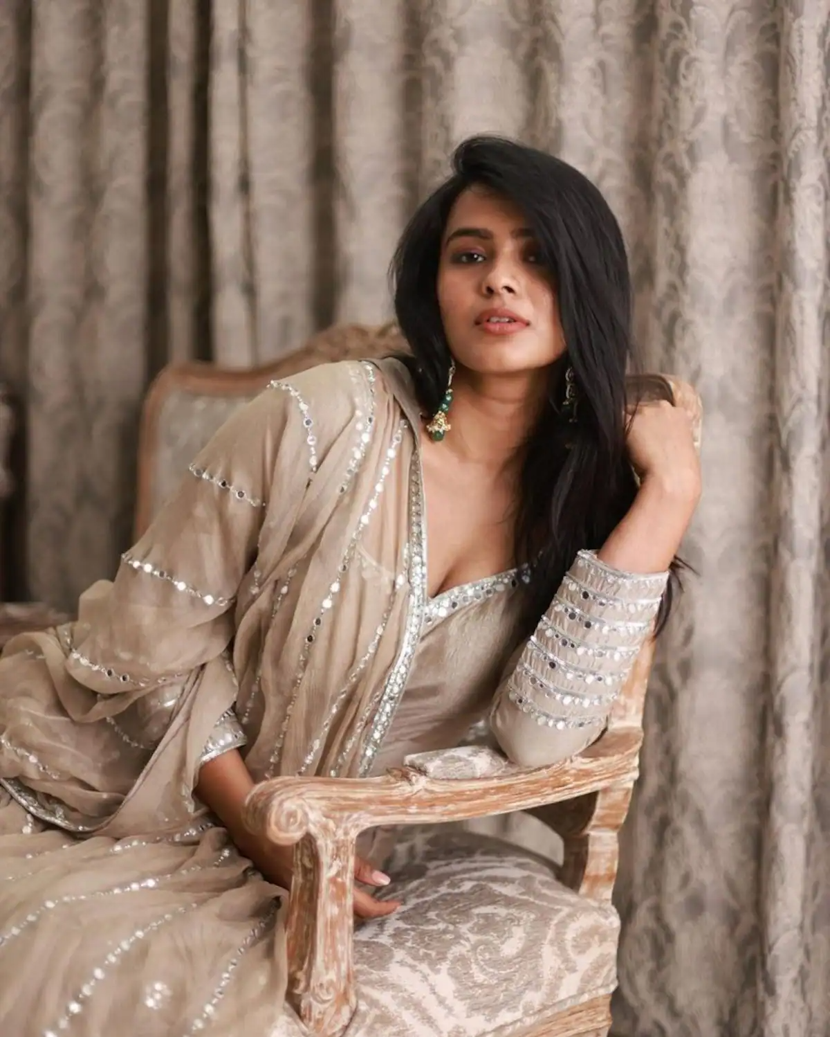 Hebah Patel at her sensuous best in these hot pictures